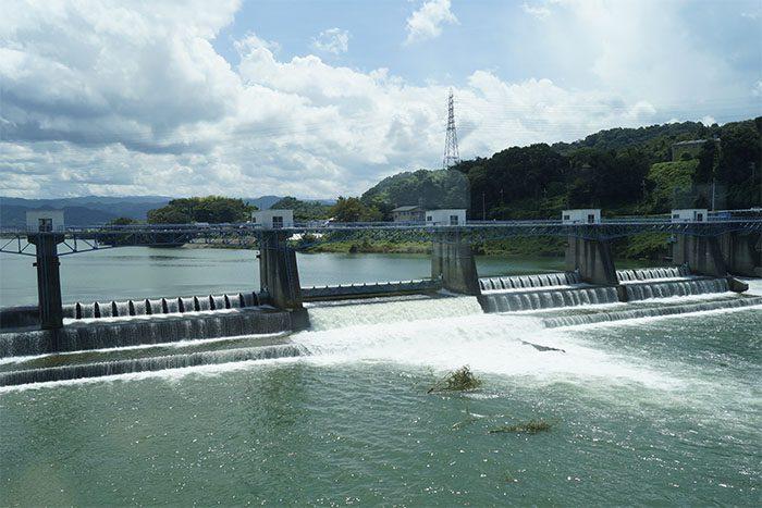 和歌山線車窓からの紀の川