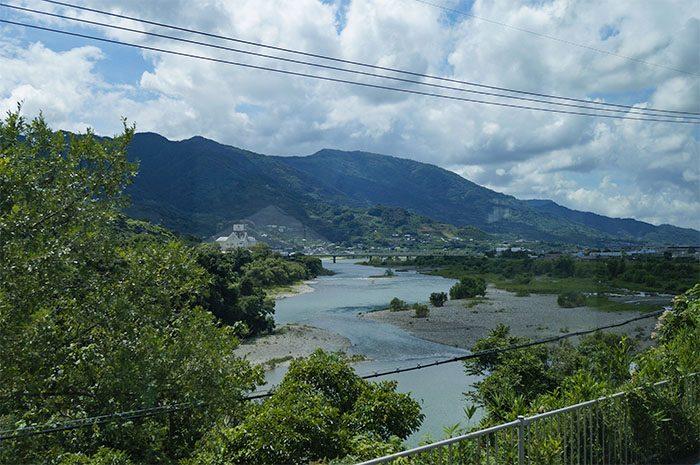 和歌山線車窓からみた紀の川