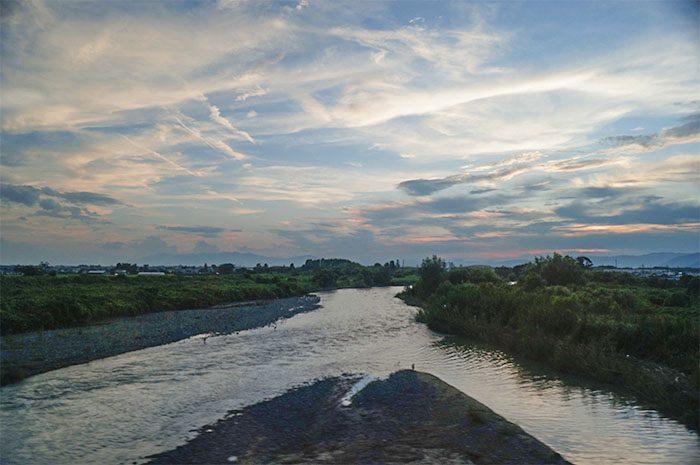 琵琶湖線から見る姉川