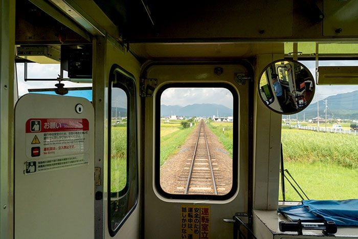 関西本線の車窓